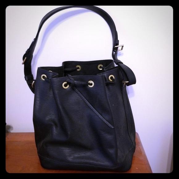 04bef81c8b85 Louis Vuitton Handbags - Louis Vuitton Cuir Epi leather handbag